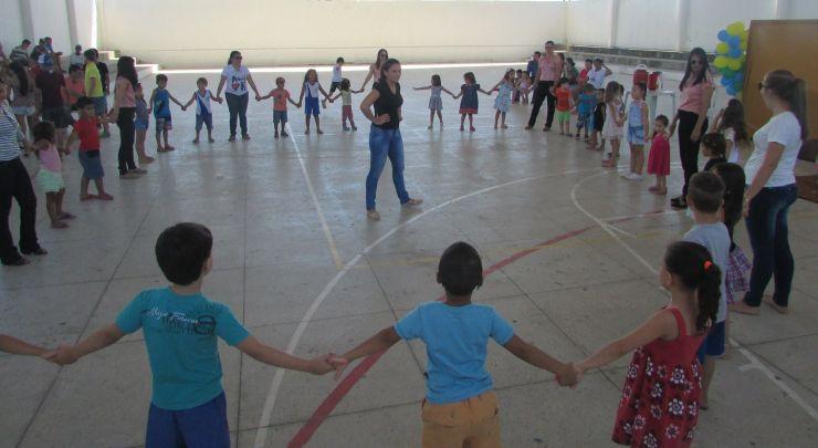 Escola Municipal Sebastião Leite Realiza Gincana Socioeducativa em Comemoração ao Dia do Estudante