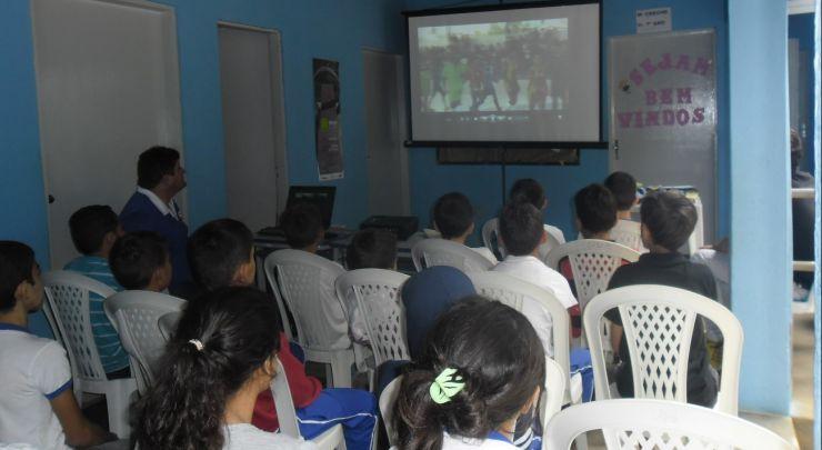 Escola Municipal Raimunda Marques Comemora Dia do Estudante