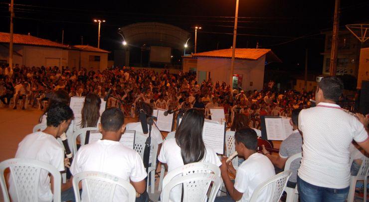 Noite cultural reúne grande público severianense.