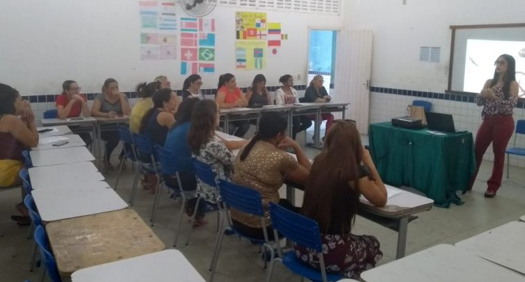 SECRETARIA MUNICIPAL DE EDUCAÇÃO REALIZA CAPACITAÇÃO PARA MERENDEIRAS DA REDE MUNICIPAL DE ENSINO