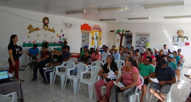 Governo Municipal e CONAB realizam reunião com  Agricultores