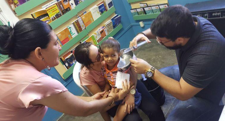 Lavagem Auricular na Escola Municipal Sebastião Leite