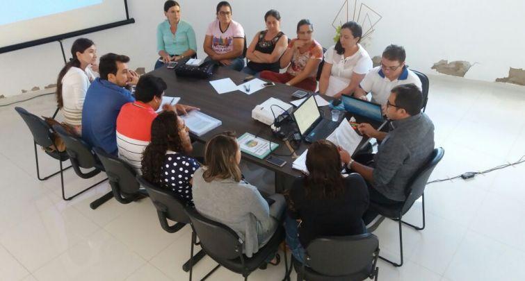 Secretário de Educação reúne-se com Comissão de Educadores e representantes do Sindicato, para discutir o PCCR