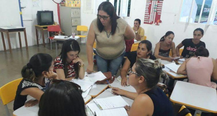 SECRETARIA DE EDUCAÇÃO REALIZA CAPACITAÇÃO DE MEDIADORES E FACILITADORES DO PROGRAMA NOVO MAIS EDUCAÇÃO